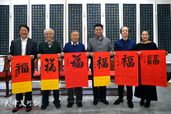左起:王树钧、纪振民、姬俊尧、崔寒柏、王筌力、罗玉兰在活动现场。