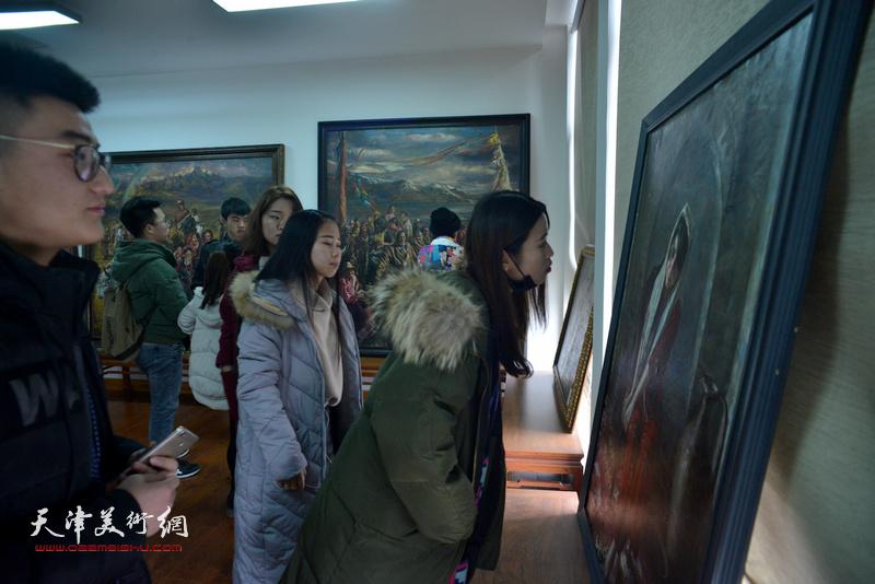 """""""书平艺术馆""""在古镇杨柳青启用 首办农民学员画展"""