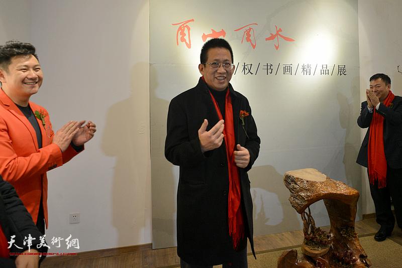 中国美协中国画艺委会委员、天津市美术家协会副主席、天津人民美术出版社社长李毅峰致辞。