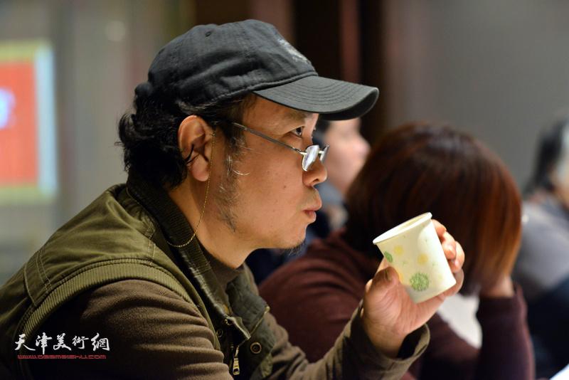 """杨俊甫在""""天津水彩交流研讨展研讨会""""上。"""