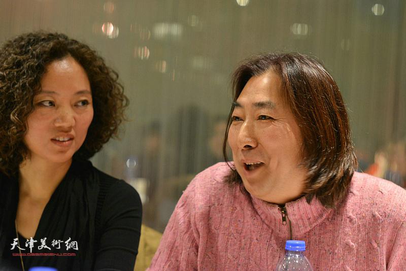 """杨亦谦在""""天津水彩交流研讨展研讨会""""上。"""