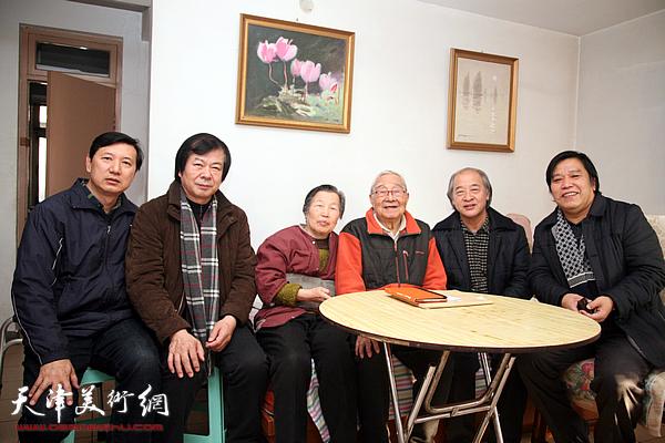 天津市美术家协会春节前夕看望老艺术家秦征先生