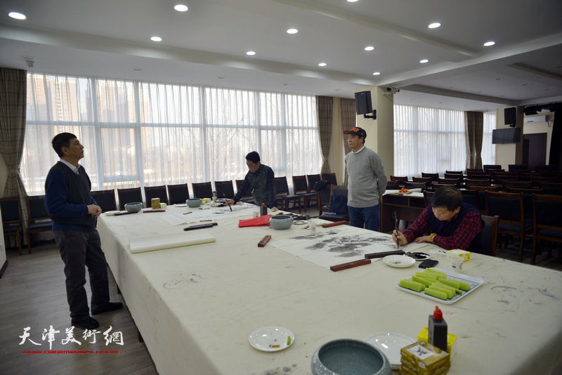 张寿庠、马寒松、郑永盛、皮志刚在金带福路文化中心。