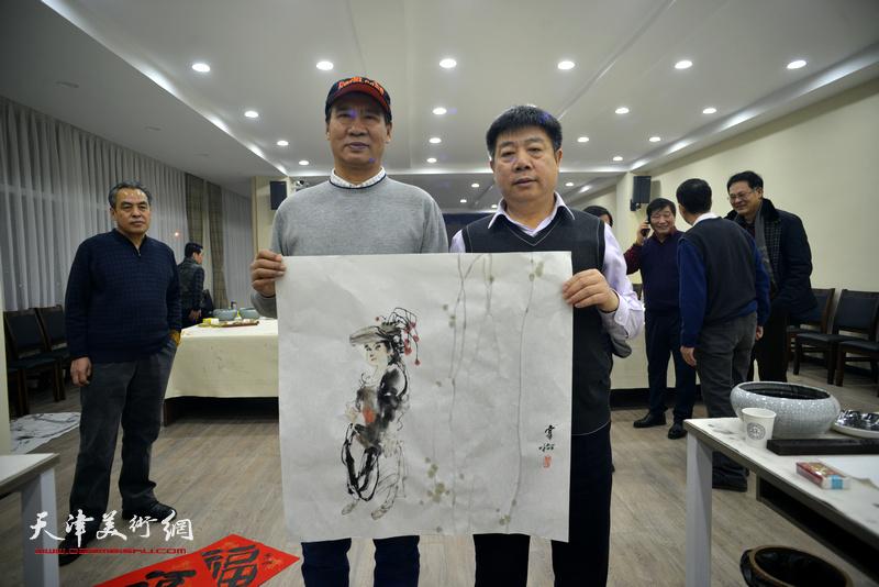 马寒松、张养峰在金带福路文化中心。