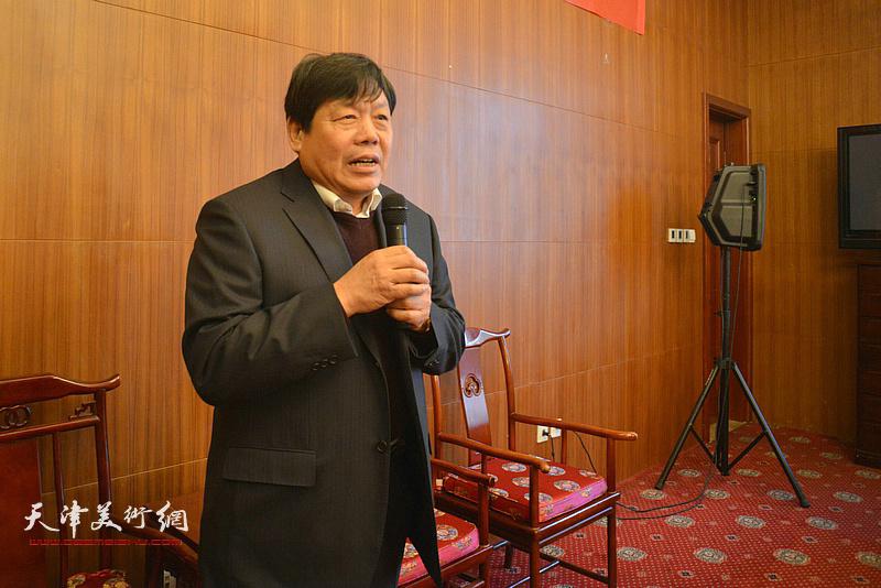 著名画家郭鸿春先生收徒仪式现场,郭鸿春发表收徒感言。