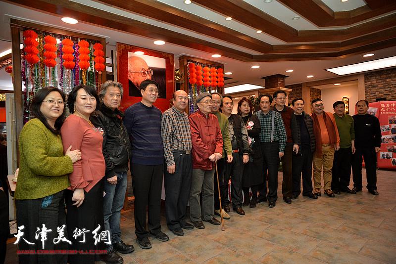 左起:冯海娇、孙瑜、陈建辉、高天武、孟庆占、孙长康、陈福春、