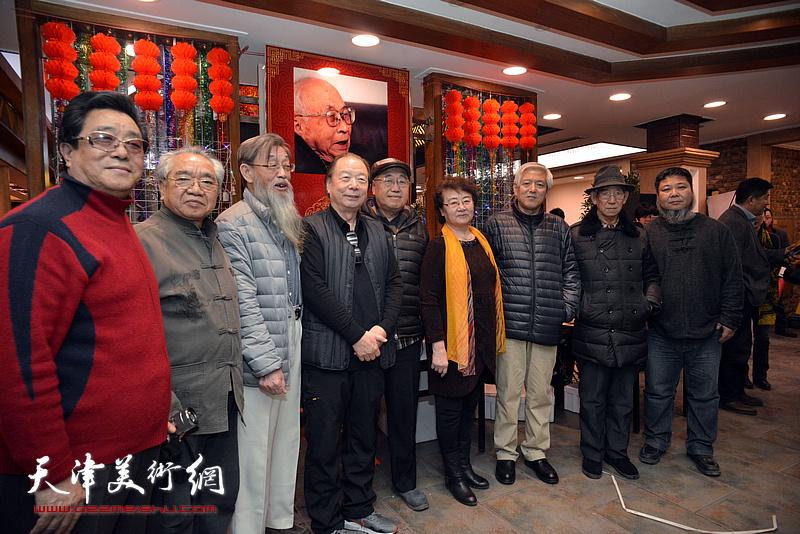 左起:曲学真、苏锡超、刘克仁、胡嘉良、关尚卿、孙长康夫人、陆