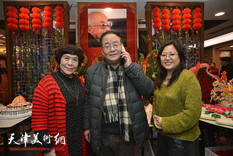 孙季康、史玉、在庆寿聚会现场。