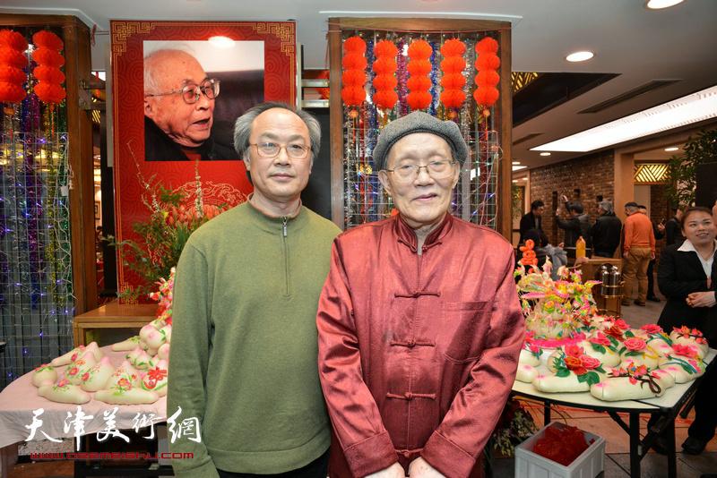 孙长康与陈福春在庆寿聚会现场。
