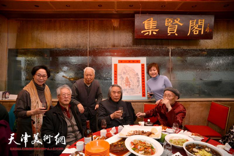 霍春阳、焦俊华、孙长康、贾宝珉、崔燕萍、李澜在焦俊华为孙老贺