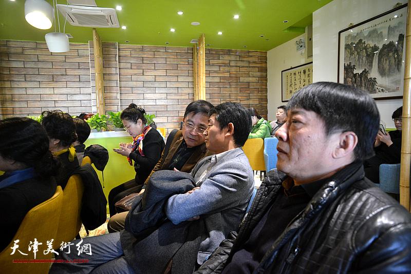 李響、高原春、王文元在天津湖社畫會首屆會員代表大會上。