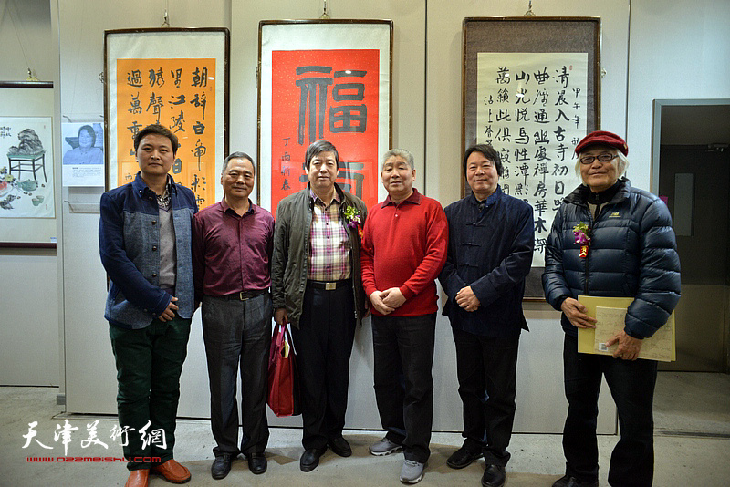 邢立宏、高杰、杨跃泉、陈元龙、李庆增、高浩然在六人展现场。