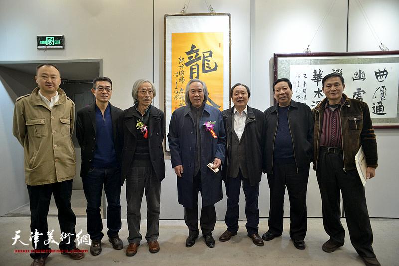 霍春阳、姚景卿、向中林、刘振江、柴博森、杨利民、在六人展现场。