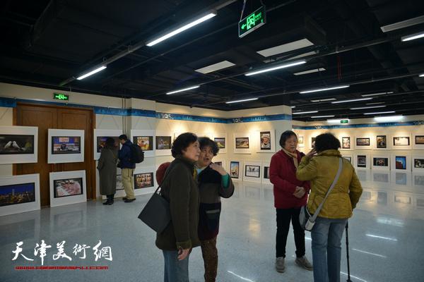 河西区各界妇女美术书法摄影作品展