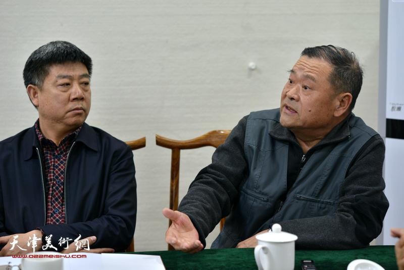 姬振岭、载庸、李淑香为金带福路文化中心赠书