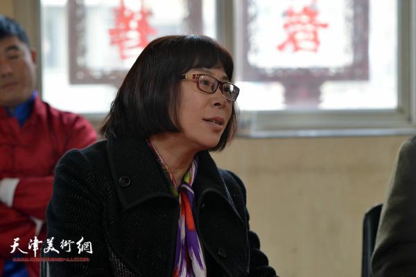 李富荣谈非遗传承。
