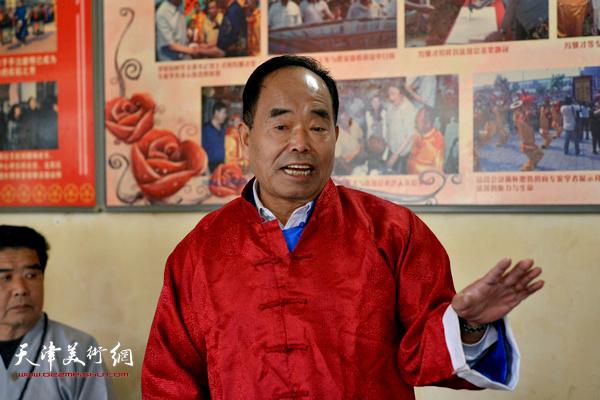 老艺人杨志忠谈非遗传承。