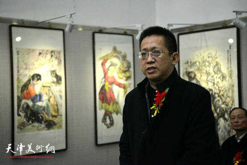天津美术家协会副主席、天津人民美术出版社社长李毅峰致辞。