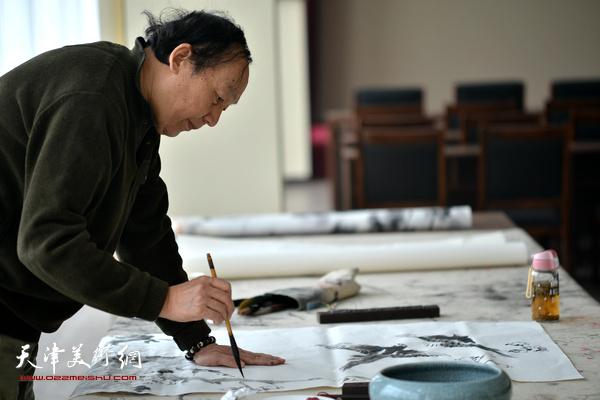 刘建伟在活动现场。