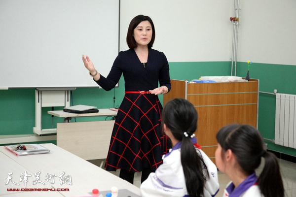 走进小学面塑天津技艺艺术家刘芳传承面塑课第定福庄二小学图片