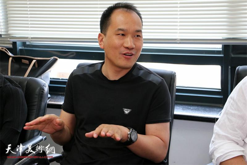 设技桥教育科技研究院院长侯立斌