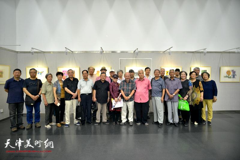 京津两地教育界、美术界人士参加了开幕式。