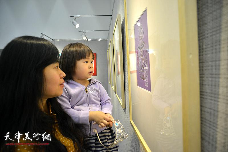 """""""余味无穷""""珠光画展览现场。"""