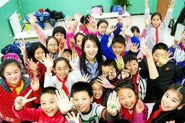 传承面塑技艺 天津面塑艺术家刘芳走进小学课堂