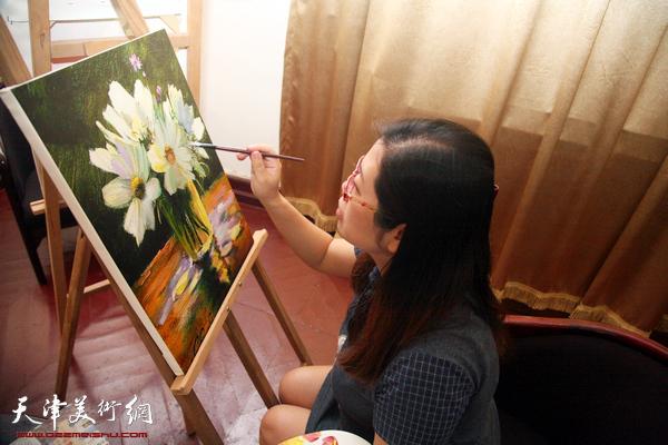 爱尚生活-油画艺术沙龙现场。