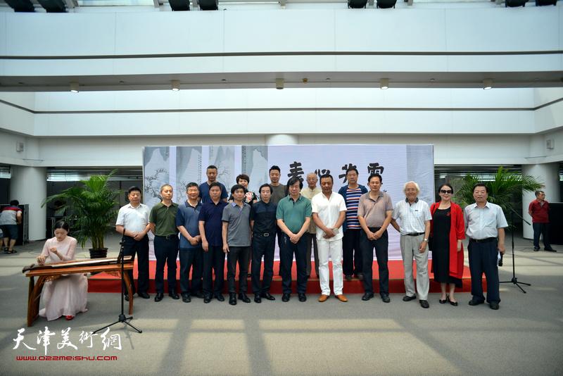 """""""素心若雪---肖培金中国画展""""于6月18日在泰达图书馆开幕。"""