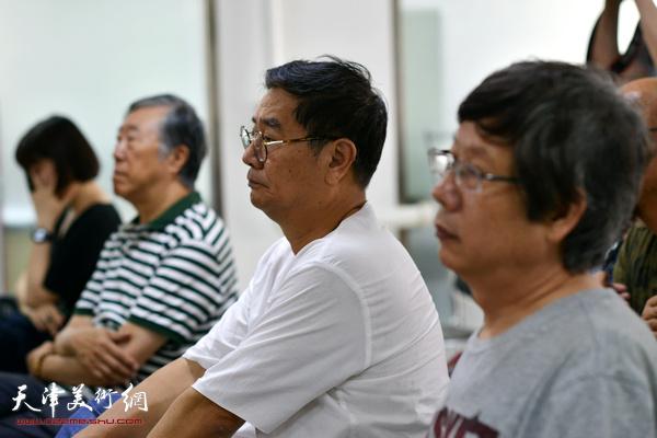 张佩刚、王春涛在讲座现场。