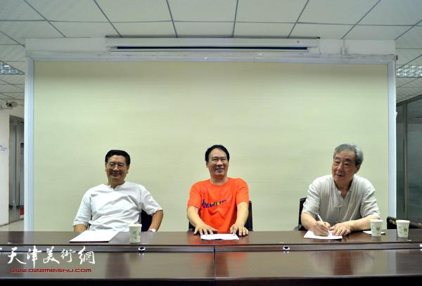 马寒松、张亚光、张佩刚在讲座现场。