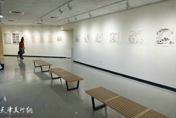 图为展览现场。