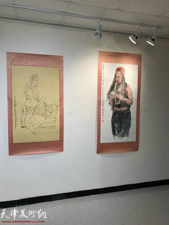 图为刘南教授助展作品。