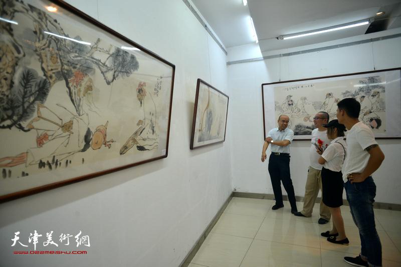 心象·墨韵—范扬中国画作品晋中展现场。