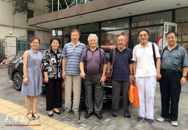 左起范明星、薛立、郝宝善、年维泗、张坤岳、秘书长史召环,副秘书长韩继泉在北京。