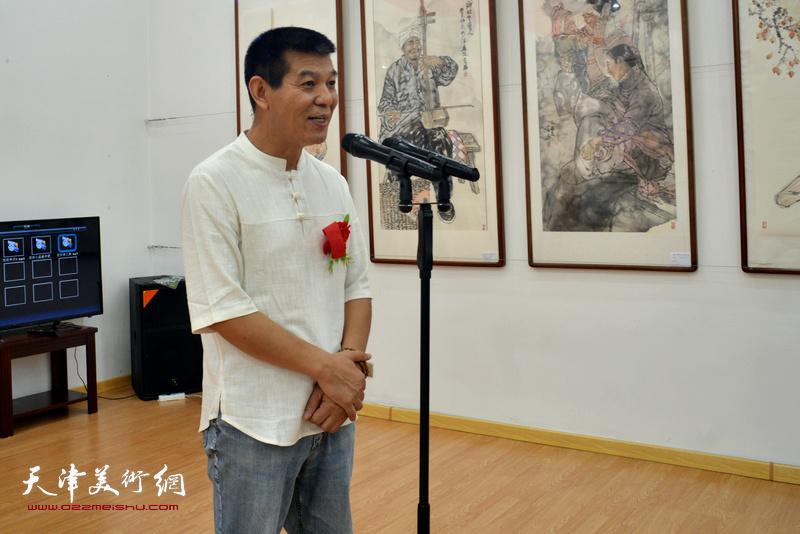 著名画家、天津画院副院长、天津美协副主席范扬致答谢词