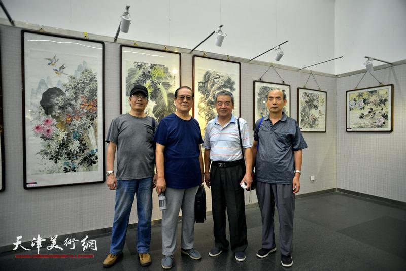 天津花鸟画八家精品展
