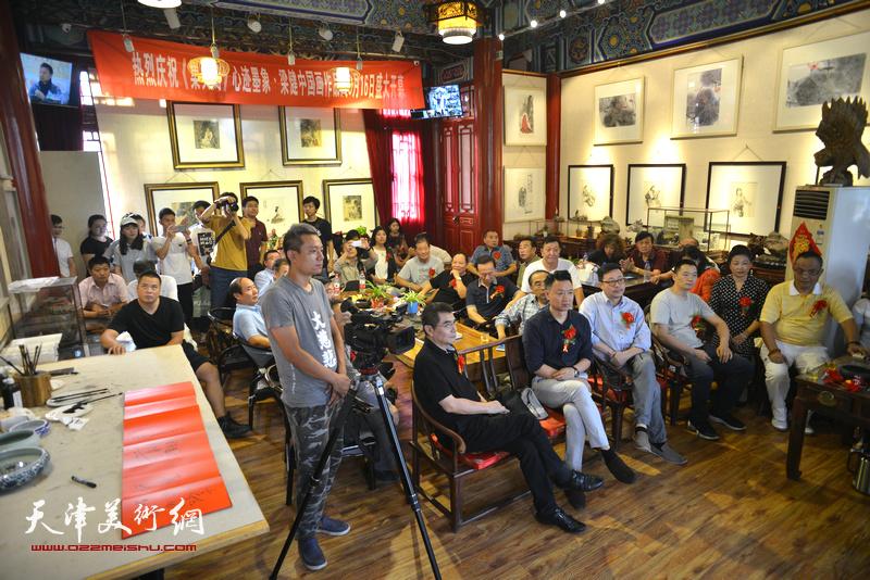 """""""心迹墨象·梁健中国画作品展""""9月16日在古文化街集真阁开幕。"""