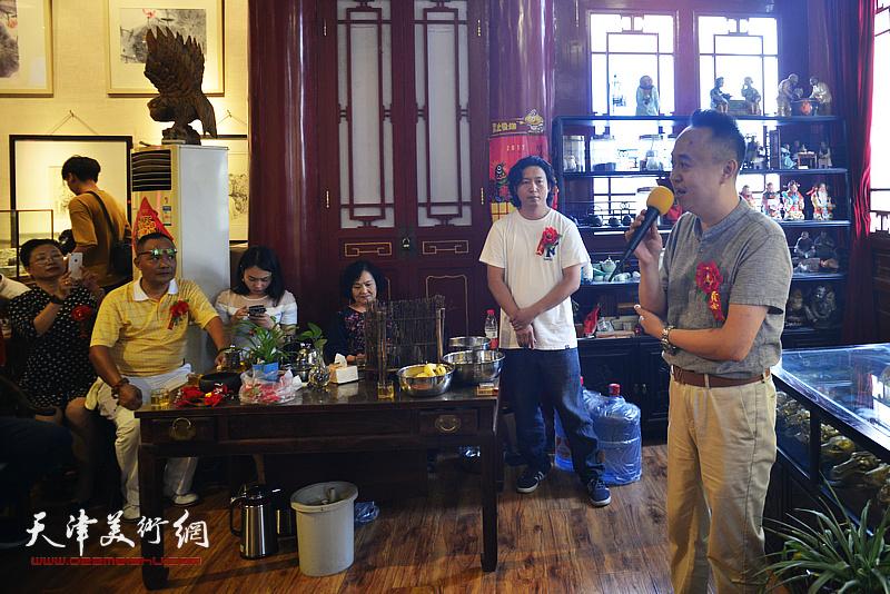集真阁文化艺术传播中心经理马明致辞