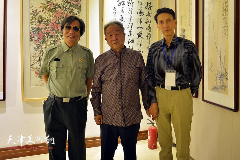 况瑞峰、李文安、刘乃驹在画展现场