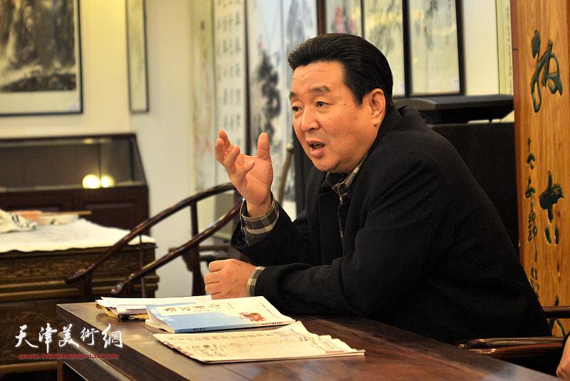 天津市楹联学会会长陈伟明做动员讲话。