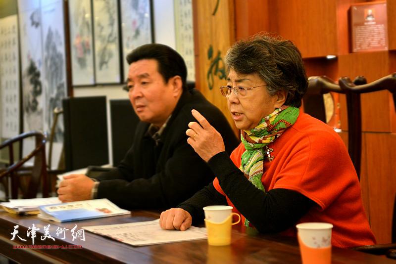 市人大原副主任李润兰做总结讲话。