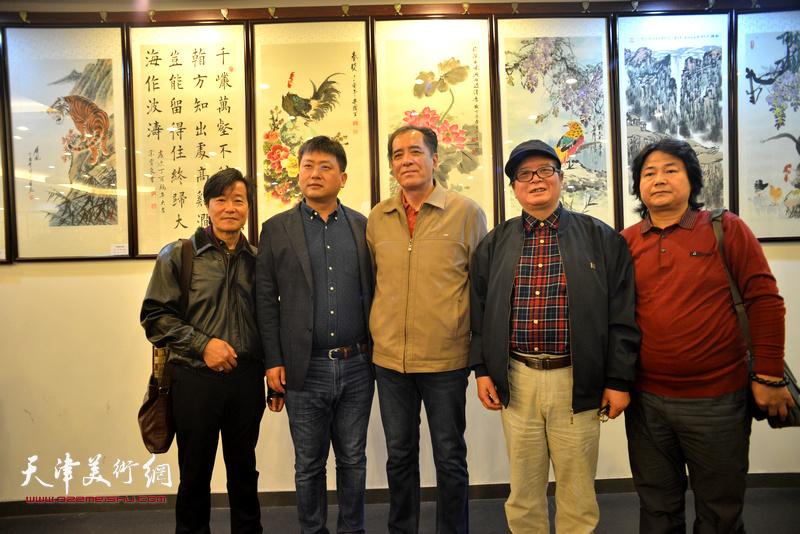 左起:吴景玉、高文军、张志连、赵士英、张同明在收徒拜师现场。