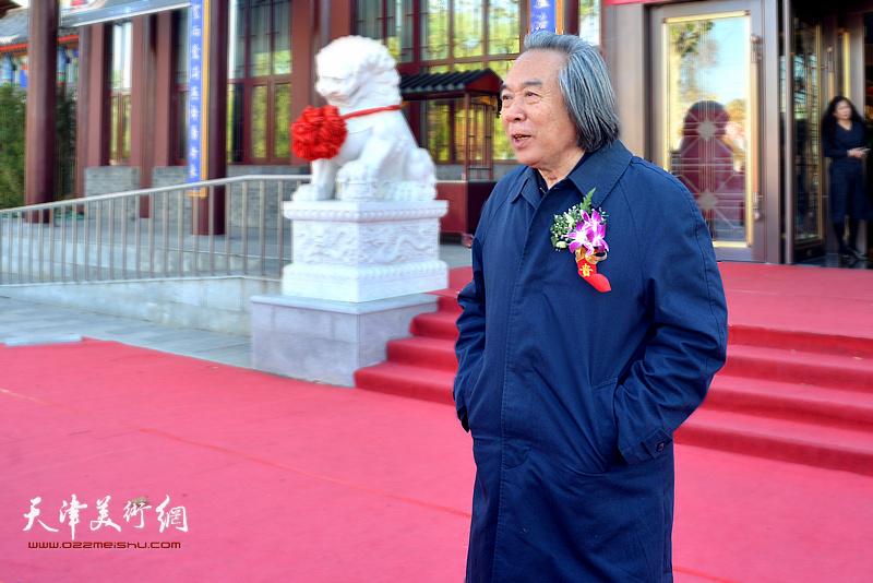 天津美院教授霍春阳致辞。