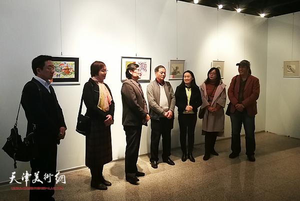 杜森、王玲、琚俊雄、邢立宏、肖爱华、苏静和王刚在展览开幕式上