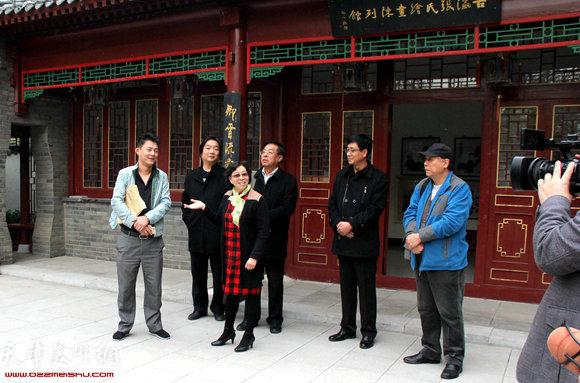 左起:祝鹏、翟鸿涛、冯字锦、赵俊山、高天武、郭凤祥在活动现场。