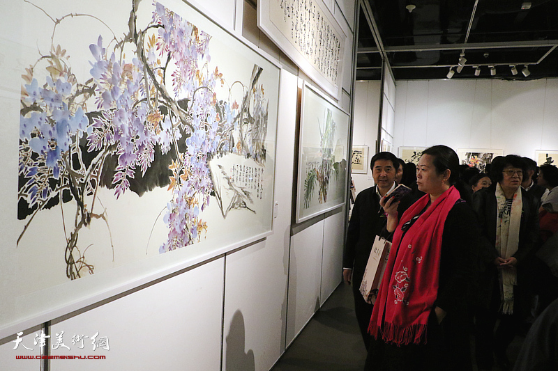 王欢来意象彩墨回乡书画展