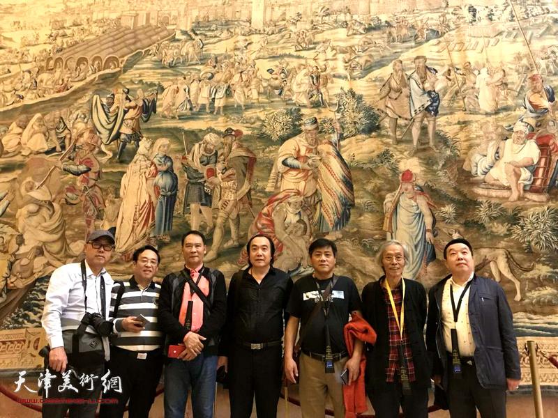 左起:高博、陈钢、马寒松、李少君、张运河、张维在西班牙采风。