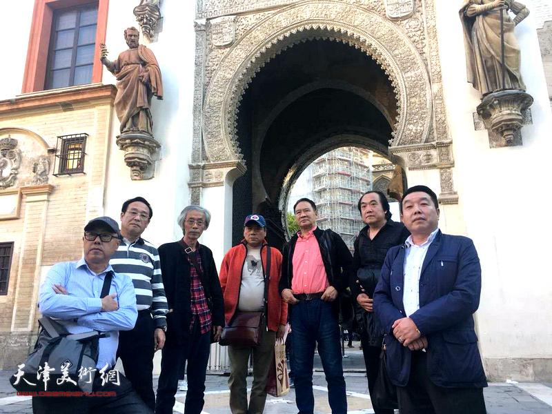 左起:高博、陈钢、姚景卿、张运河、马寒松、李少君、张维在西班牙采风。